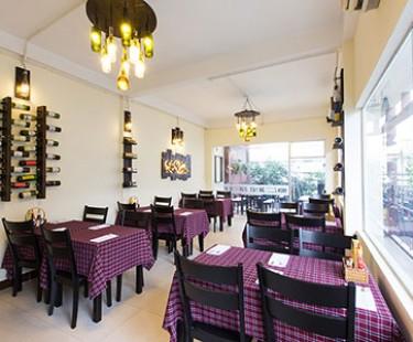 Derhao chuyên cung cấp khăn trải bàn trong nhà hàng
