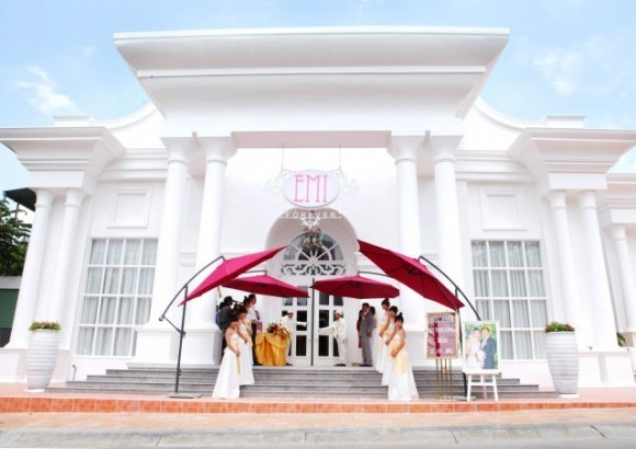 Cung cấp khăn bàn áo ghế cho nhà hàng tiệc cưới Emi Palace Thủ Đức
